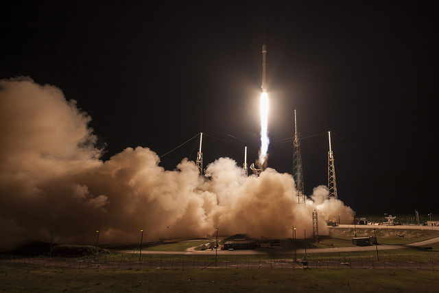 Photos: SpaceX Launches JCSAT-14 Satellite, Lands Rocket at Sea