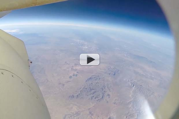 Blue Origin Rocket's On-Board Camera Snags Incredible Descent View | Video