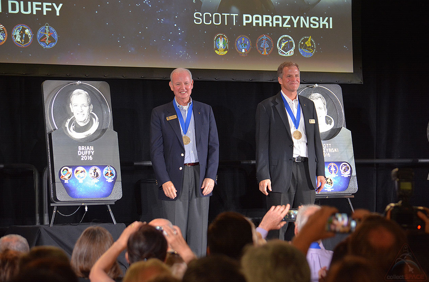 Astronauts Brian Duffy and Scott Parazynski