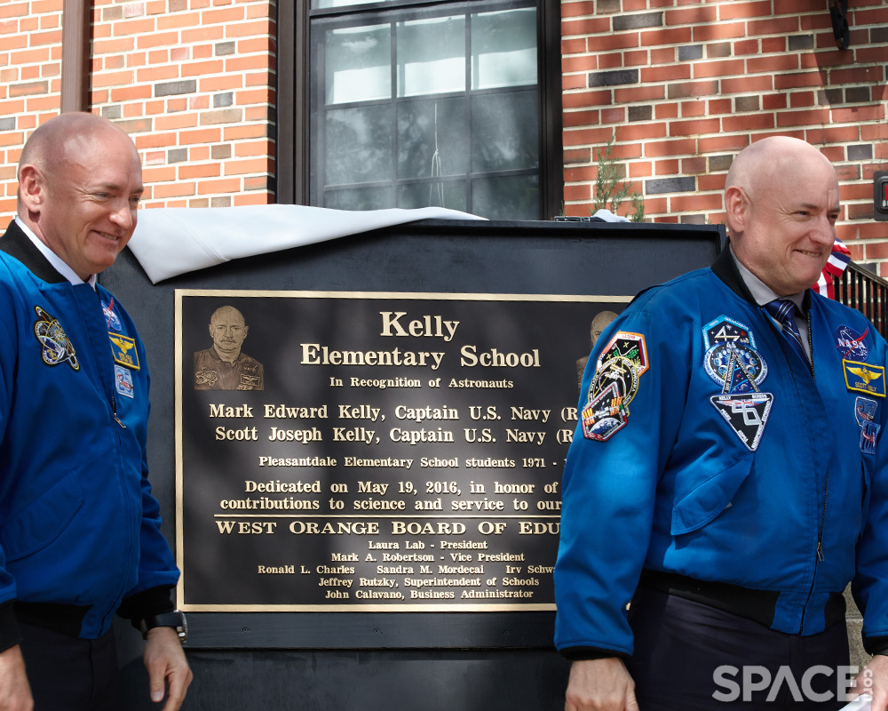 NJ Town Celebrates Hometown Astronaut Twins Mark and Scott Kelly (Photos)