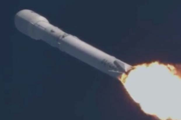 Liftoff! SpaceX Launches Thiacom 8 Communication Satellite | Video