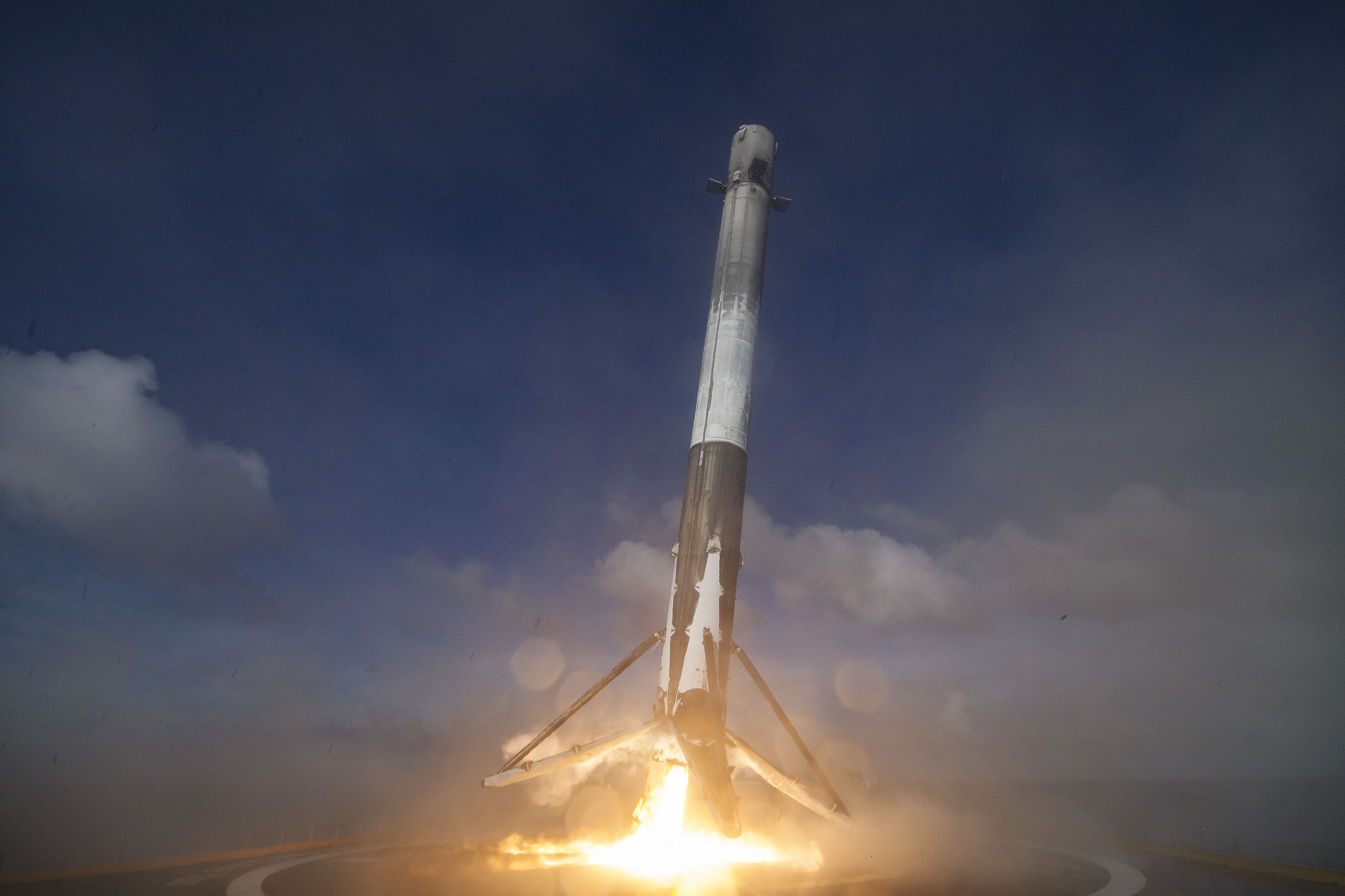 SpaceX Falcon 9 Rocket Landing After Launching Thaicom 8