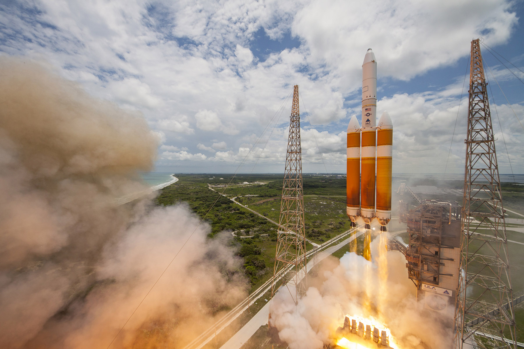 Delta IV Heavy Rocket Launches NROL-37 Spy Satellite