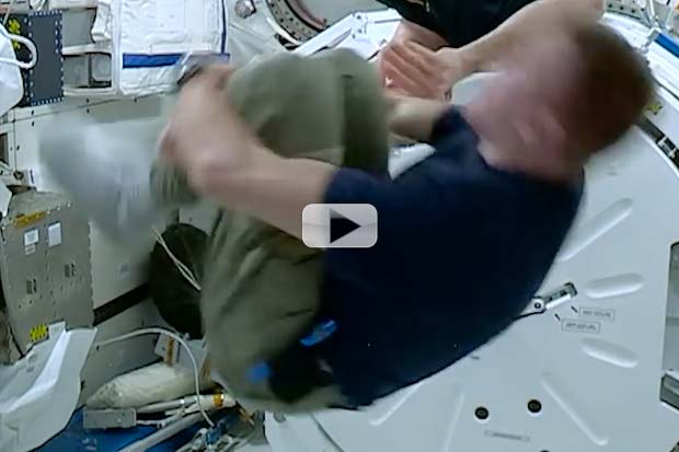 Spinning Fast In Space Make You Dizzy? Astronaut Experiment | Video
