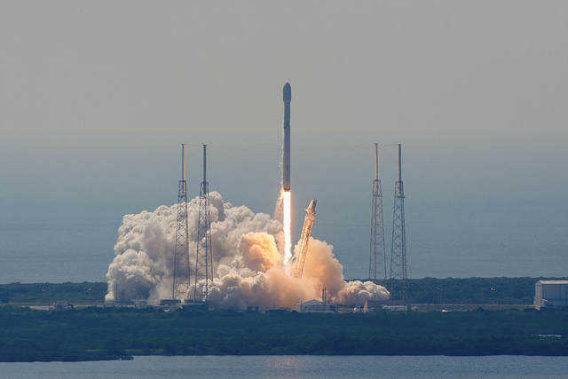 Photos: SpaceX Launches Communications Satellites, Tries Rocket Landing at Sea