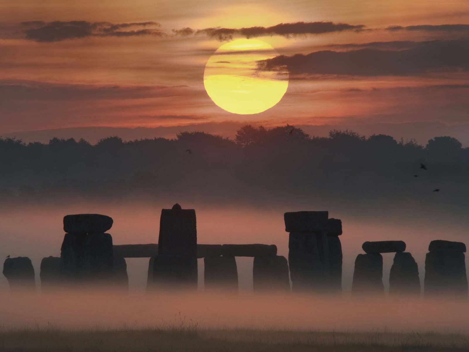 Summer Solstice Sunrise at Stonehenge | Space Wallpaper