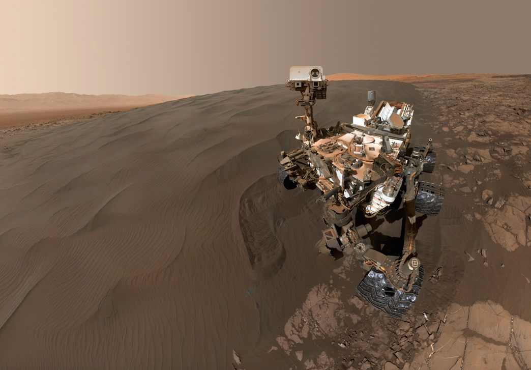 Curiosity Rover and Mars Sand Dunes