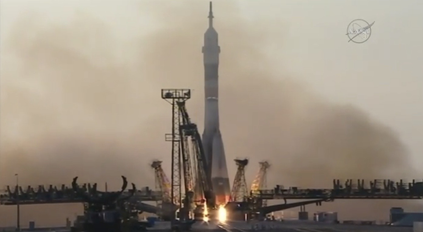 Soyuz Launches 3 Astronauts, July 6, 2016