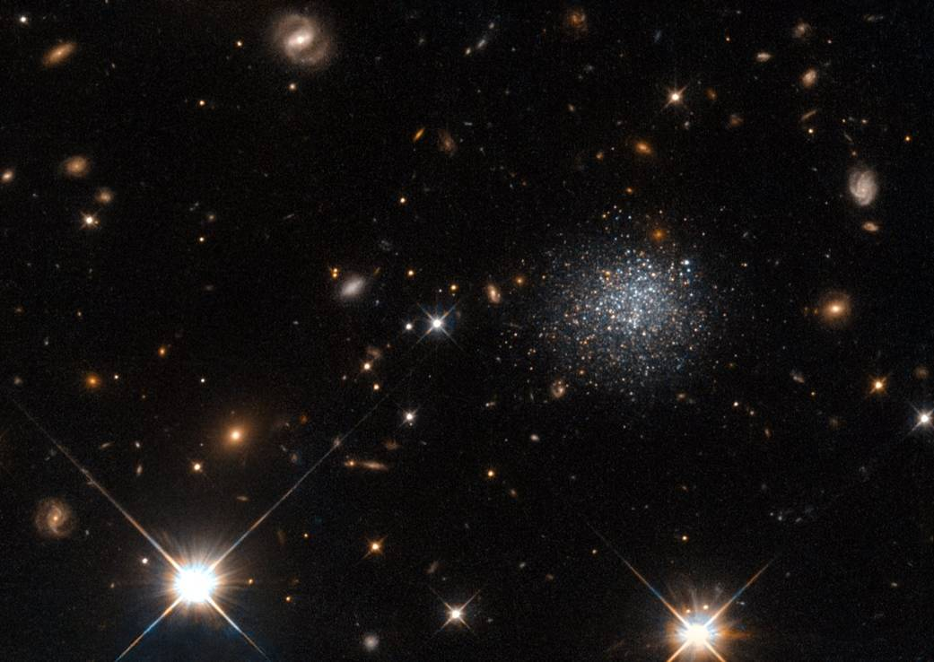Hubble Spots Cosmic Crime in Dwarf Galaxy