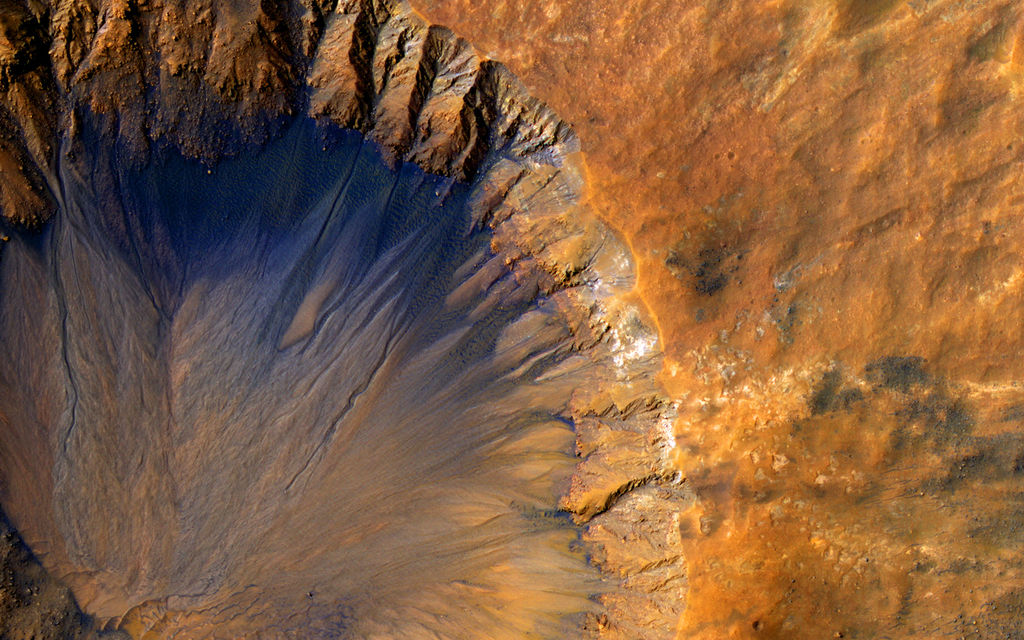 Salty Streaks of Flowing Water Could Morph Mars' Surface