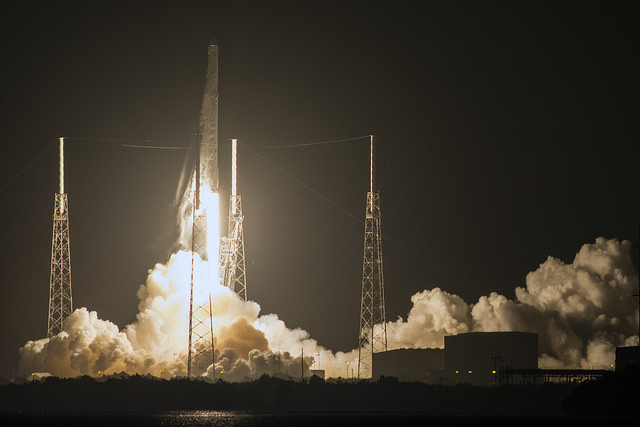 Falcon 9 Rises off the Pad