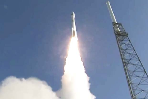 Liftoff! NRO Spy Satellite Launched Atop Atlas V Rocket | Video