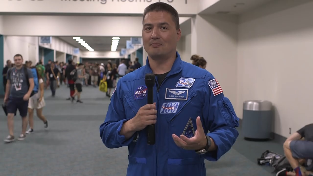 Astronaut Kjell Lindgren at Comic-Con