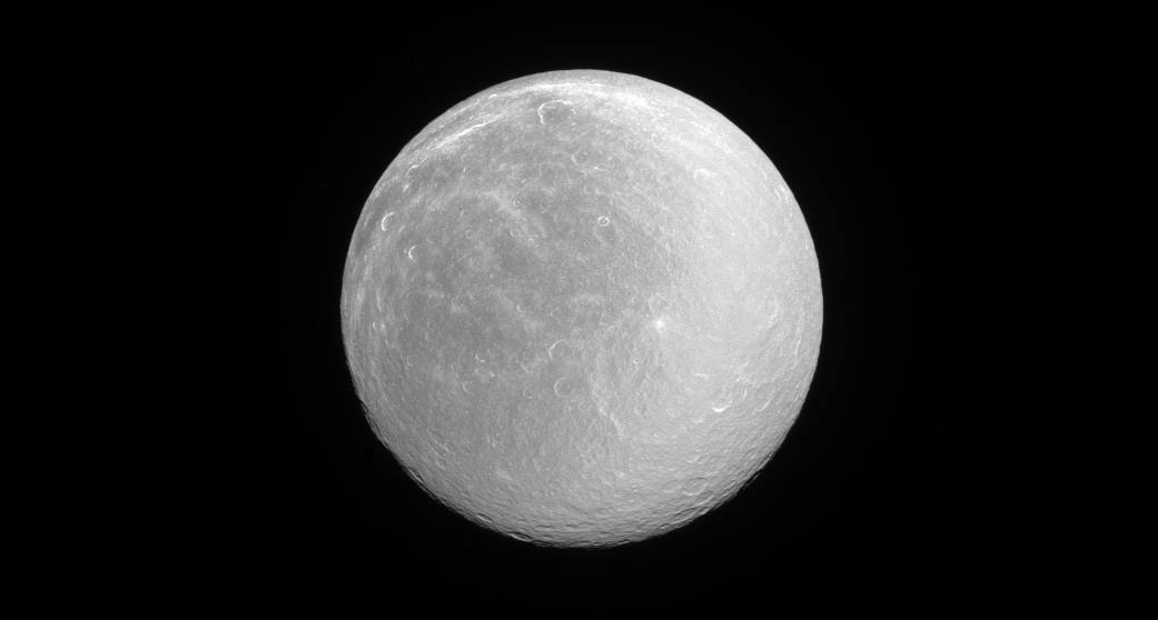 Saturn's 'Dirty Snowball' Moon Cleans Up in Sparkling NASA Photo
