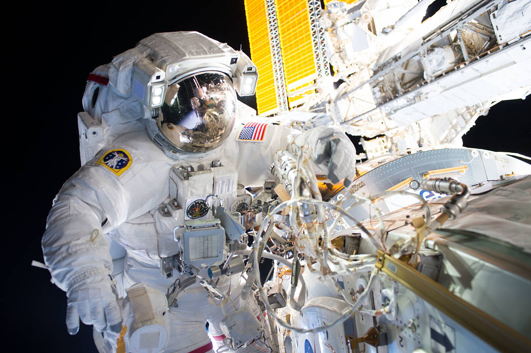 Jeff Williams and Kate Rubins spacewalk