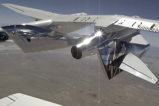 Virgin Spaceship 'Unity' Takes Flight Mated To WhiteKnightTwo | Video