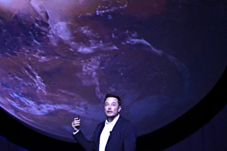 The 5 Most Bizarre 'Questions' Elon Musk was Asked After His Mars Talk