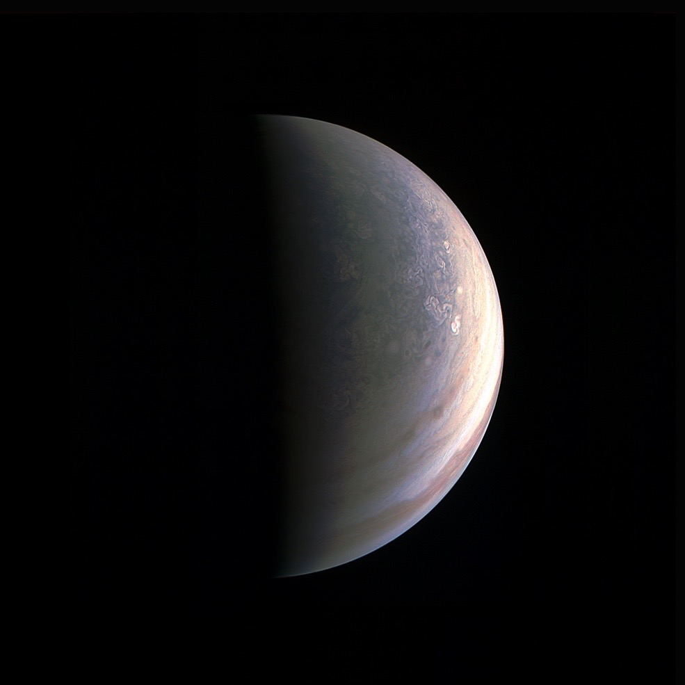 [Image: juno-jupiter-north-pole.jpg?interpolatio...00:200;*,*]