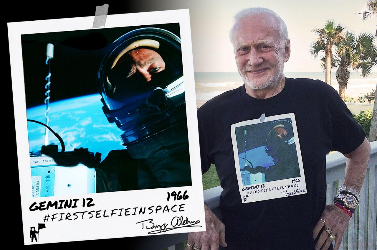 foto selfie astronot