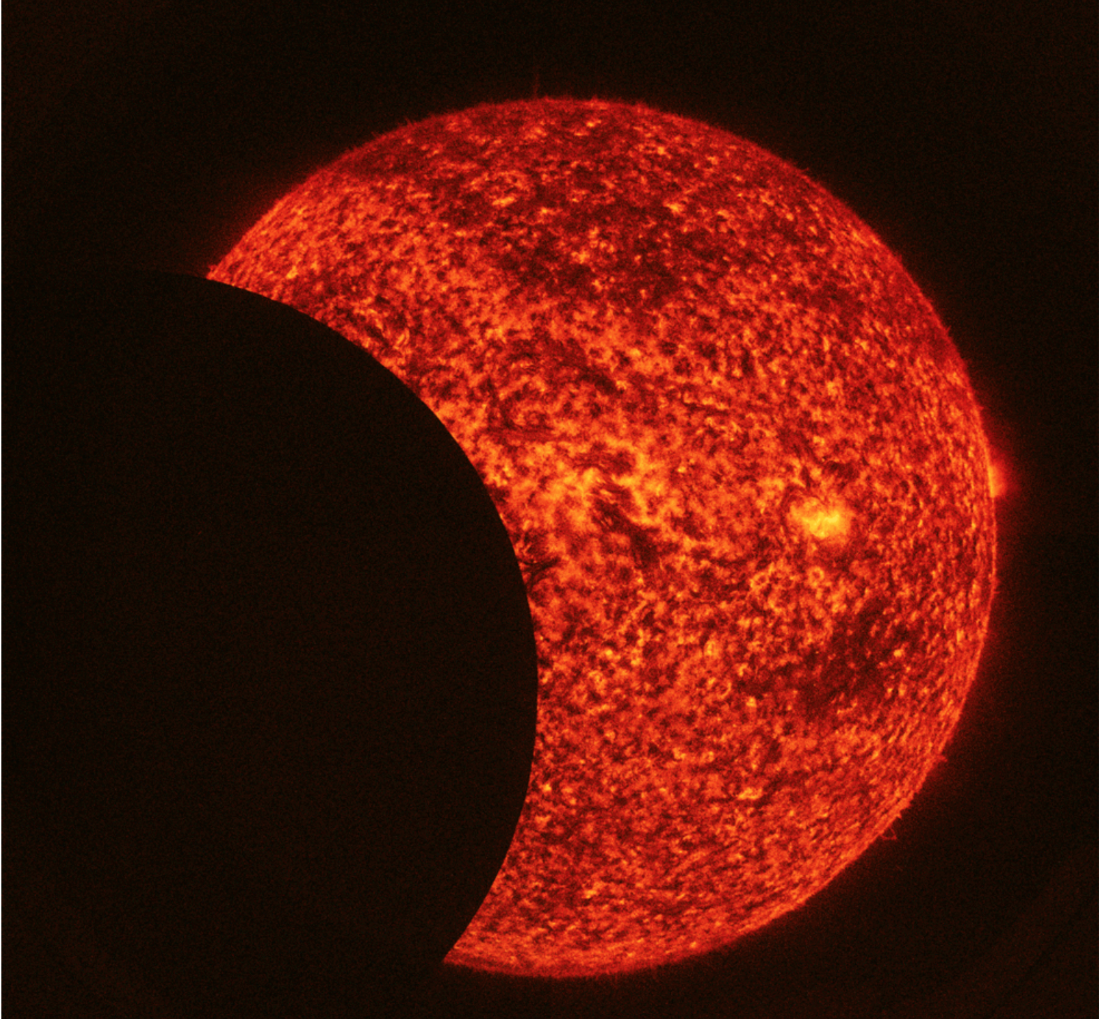 'Shaky' Solar Eclipse Spotted from Space (Video)