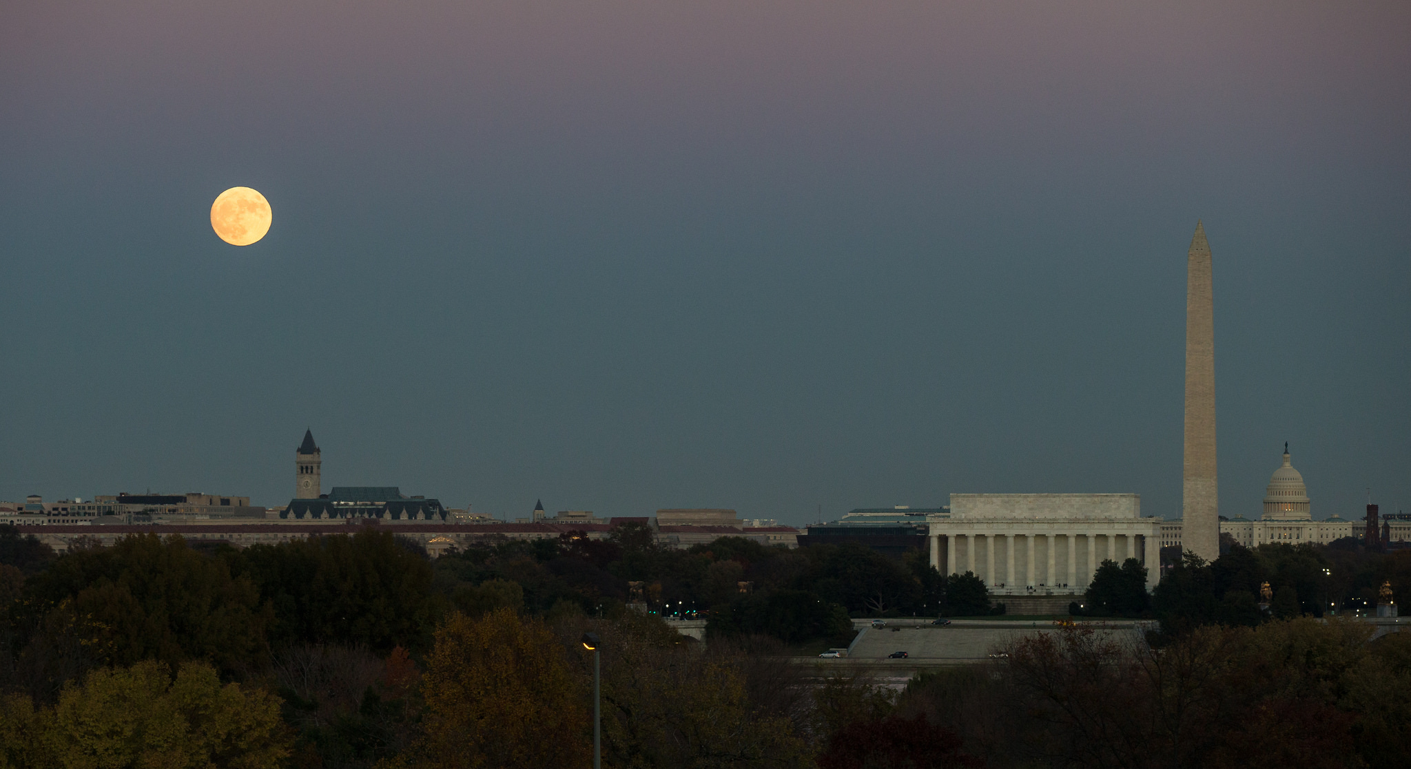 'Supermoon' Photos: The Closest Full Moon Until 2034 in ...