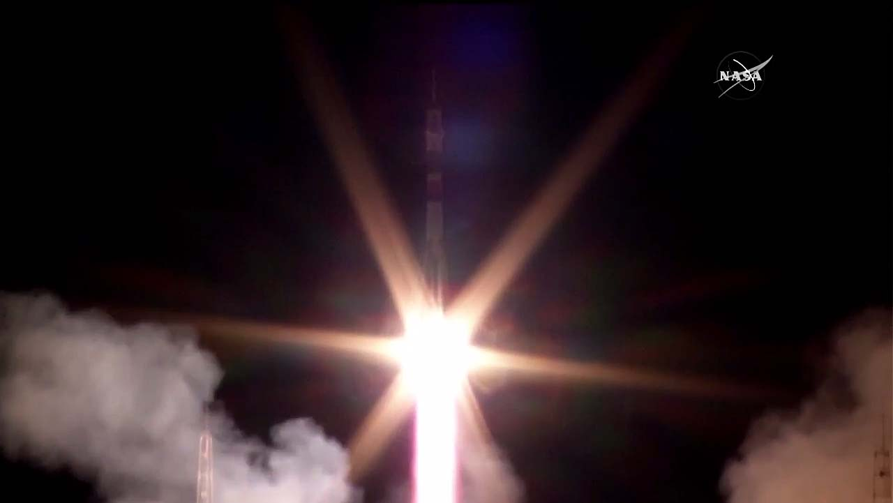 Launch Photos: Russian Rocket Launches Expedition 50/51 Crew to International Space Station