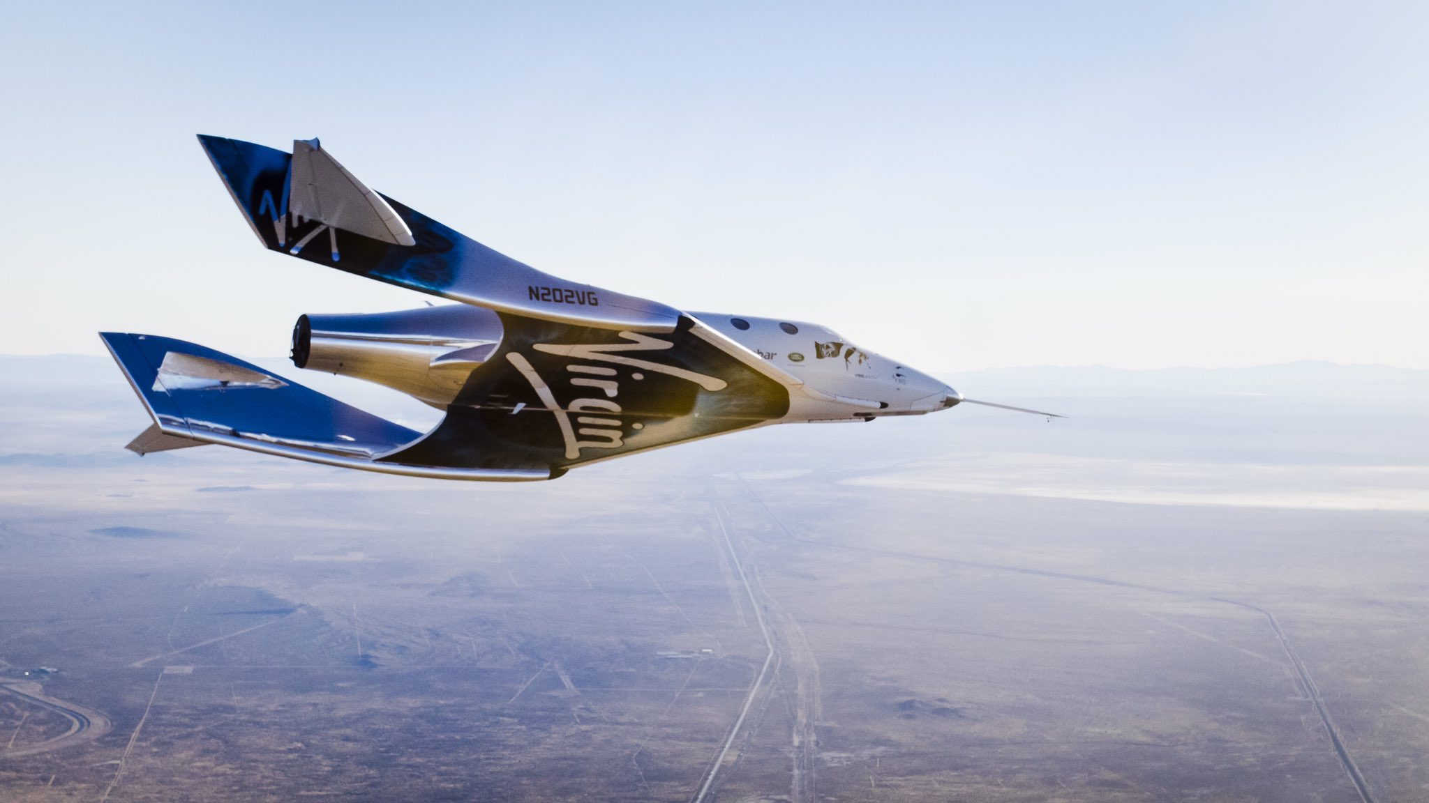 Virgin Galactic's VSS Unity Spaceship Makes 1st Solo Glide Flight