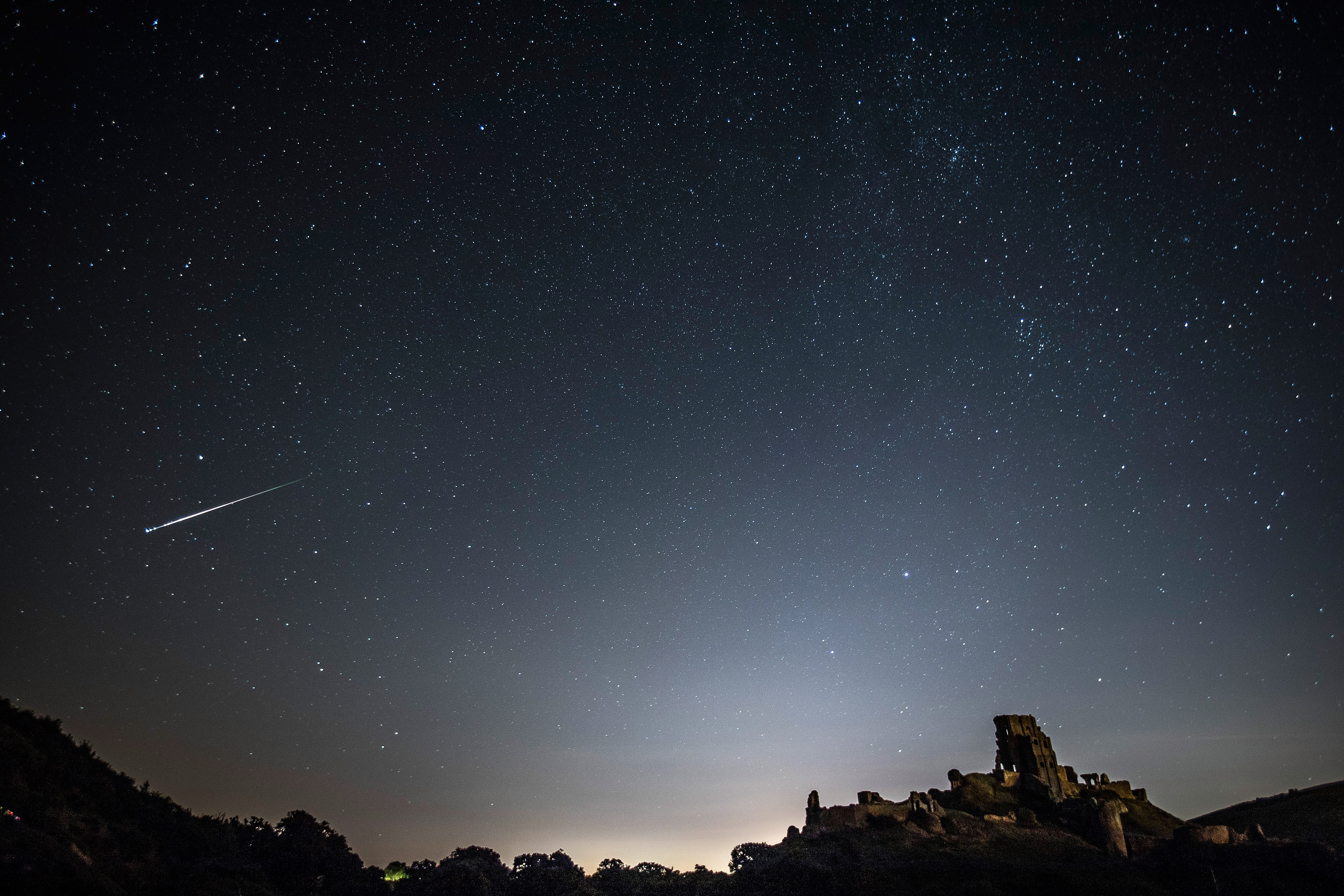Geminid Meteor Shower Peaks Tonight: Watch It Live