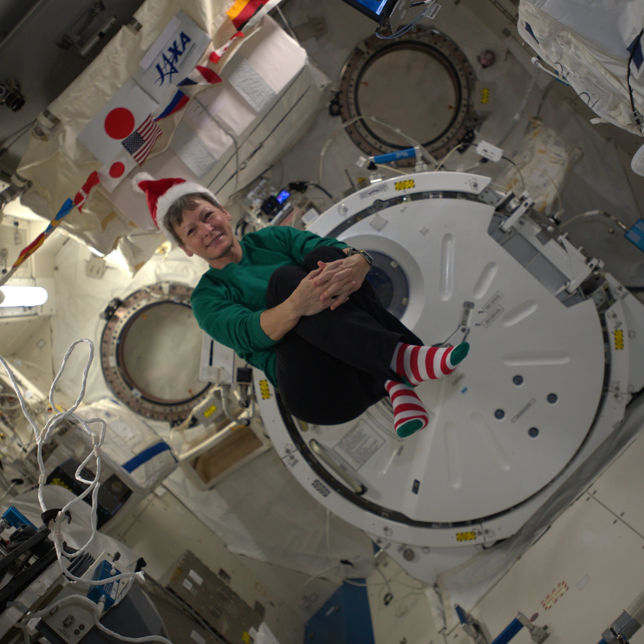 Christmas in Orbit: Astronauts Make Merry Aboard the Space Station