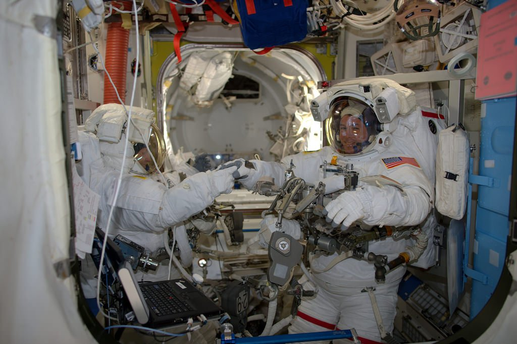 In Photos: Space Station Astronauts Take Spacewalk to Upgrade Power System