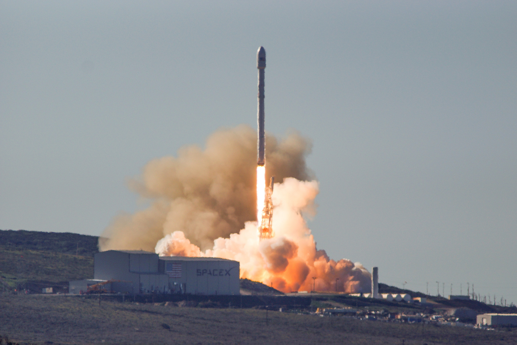 SpaceX Returns to Flight with 10-Satellite Launch, Rocket Landing