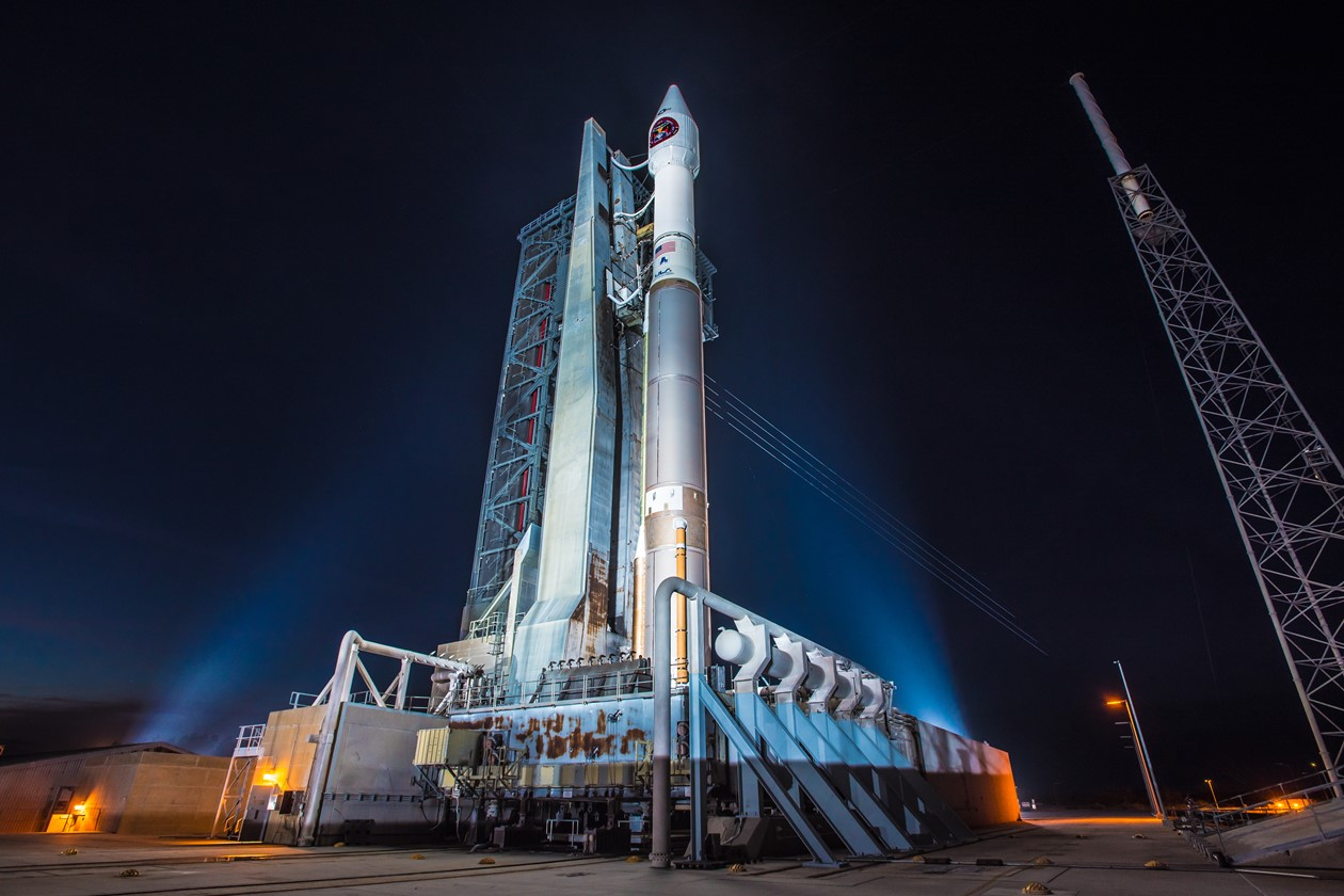 Launch Photos: SBIRS Geo-3 Missile-Warning Satellite Lifts Off