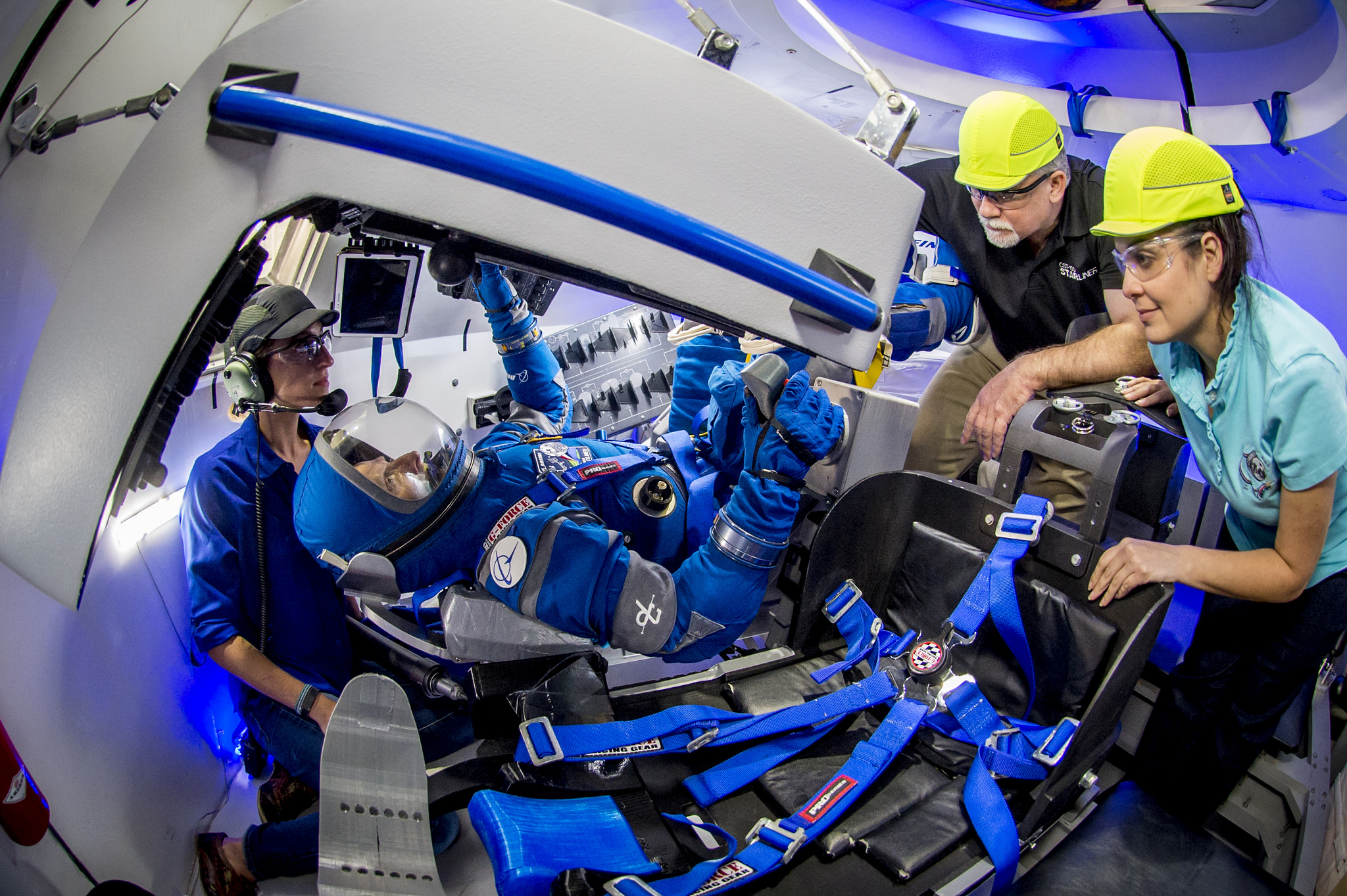 Photos: Meet the 'Boeing Blue' Spacesuit for Starliner Capsule