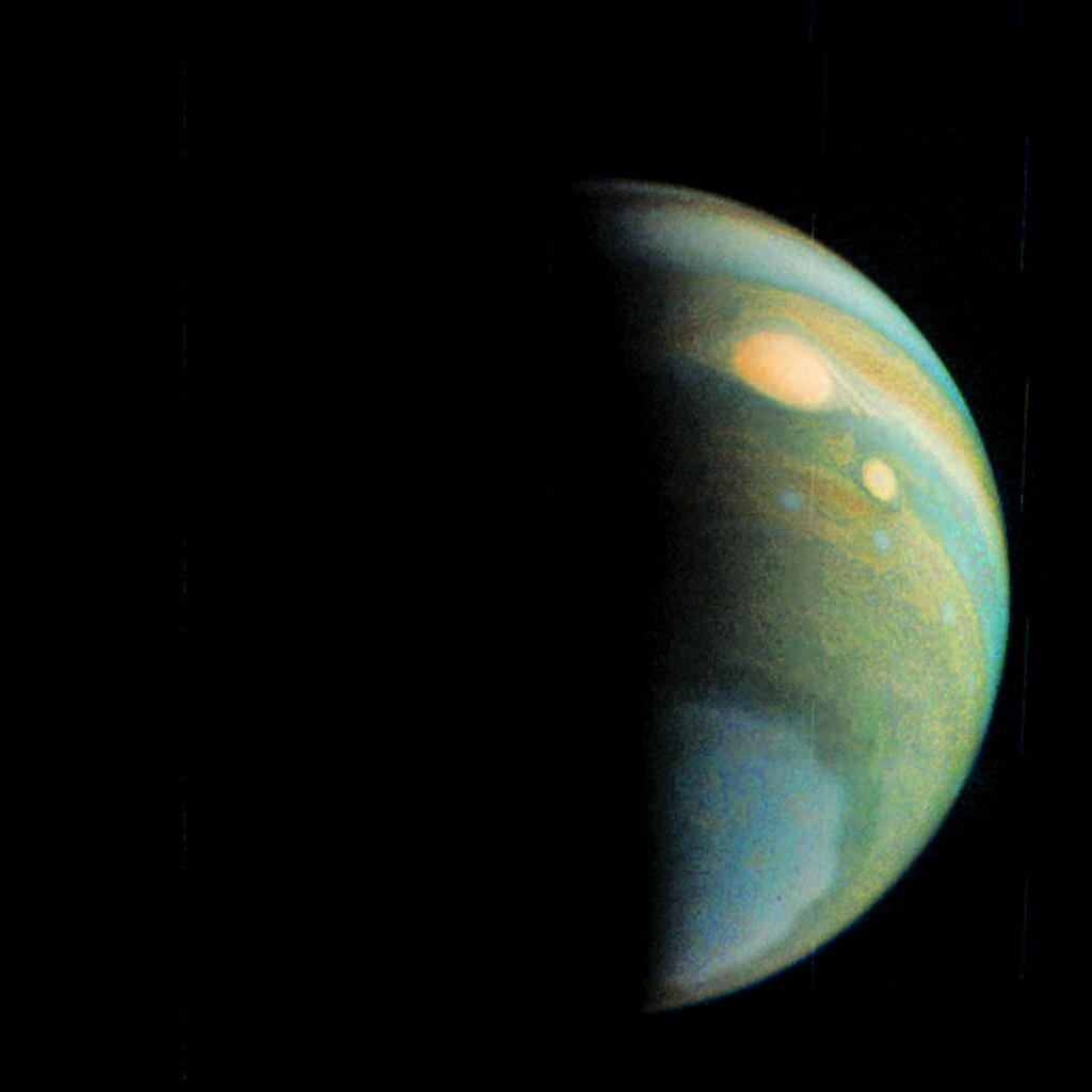 NASA Jupiter Probe Makes 4th Flyby of Giant Planet