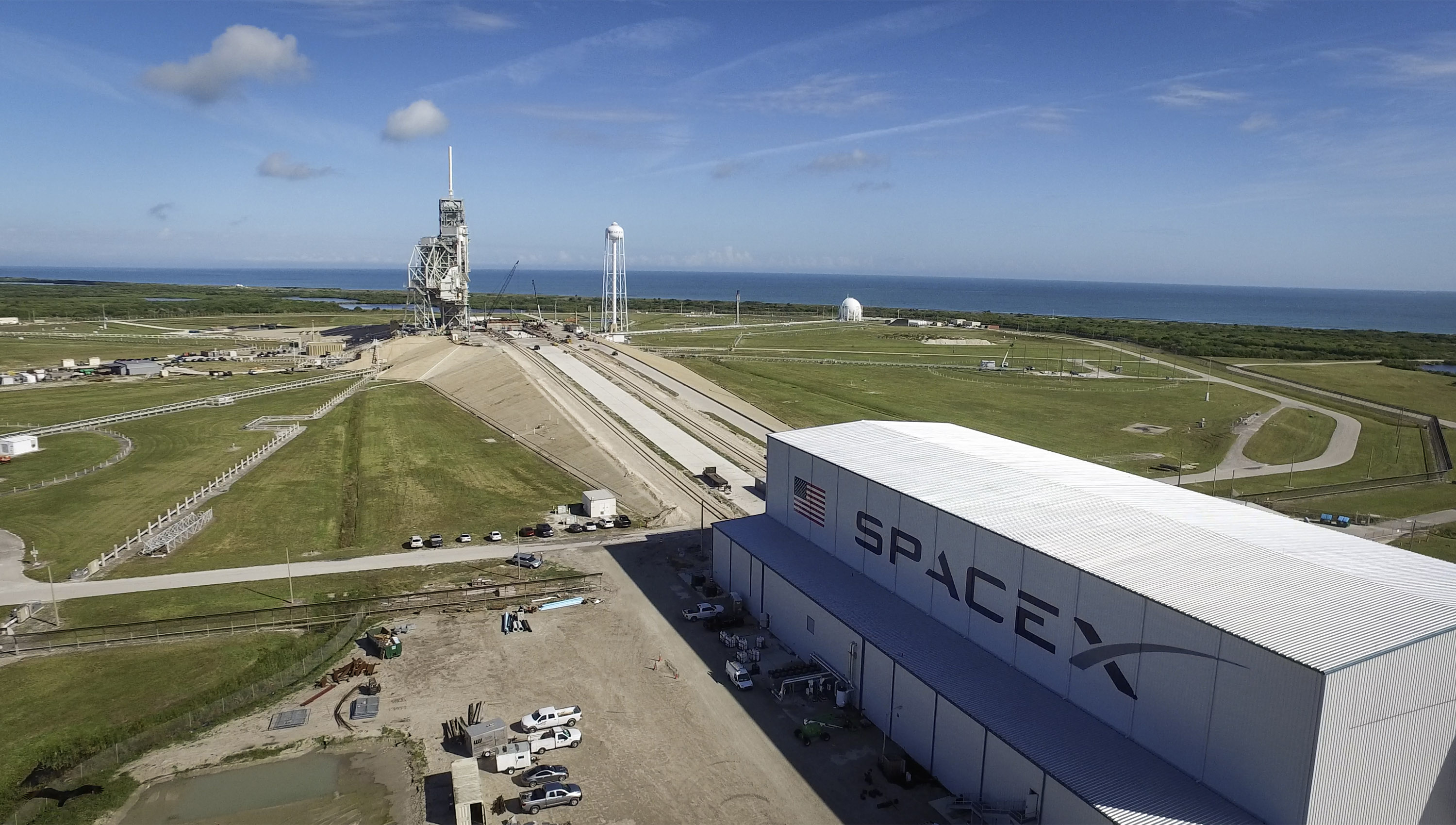 SpaceX's Falcon 9 Rocket Stands Atop Historic NASA Launchpad for 1st Time