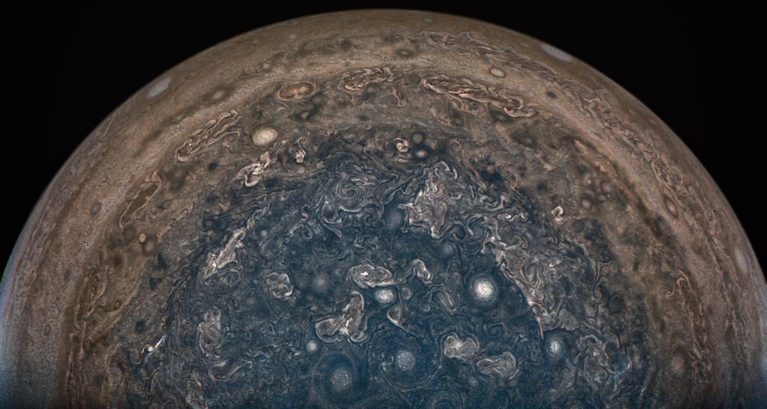 Juno Jupiter Probe Won't Move into Shorter Orbit After All