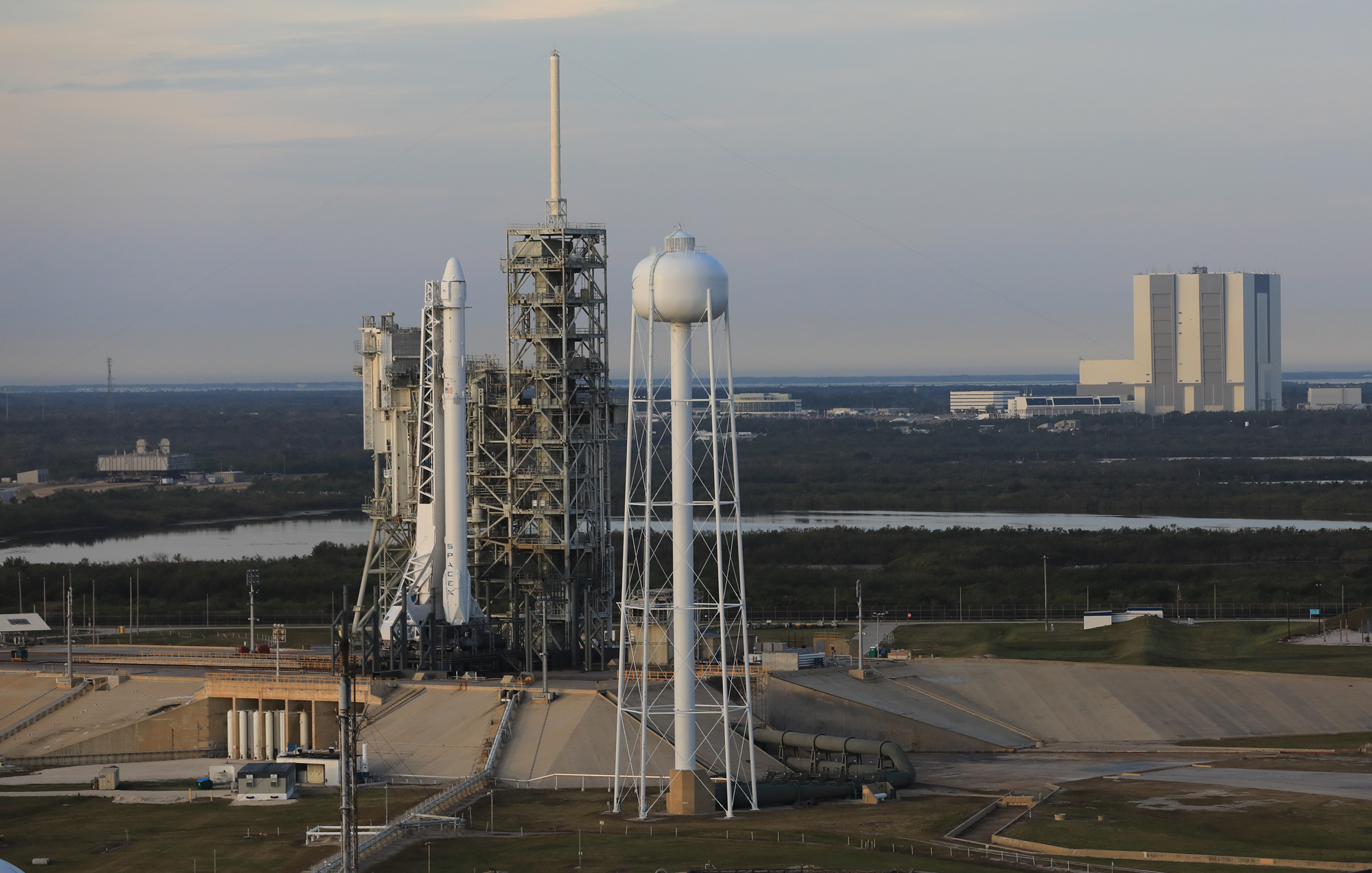 SpaceX to Make 2nd Launch Attempt from Historic NASA Pad Today: Watch Live