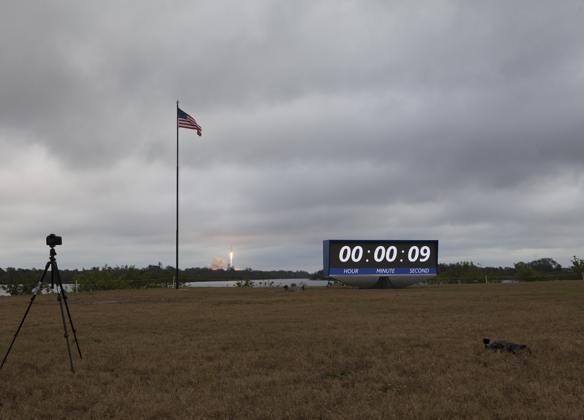SpaceX, NASA Hail 1st Falcon 9 Rocket Launch from Pad Steeped in History