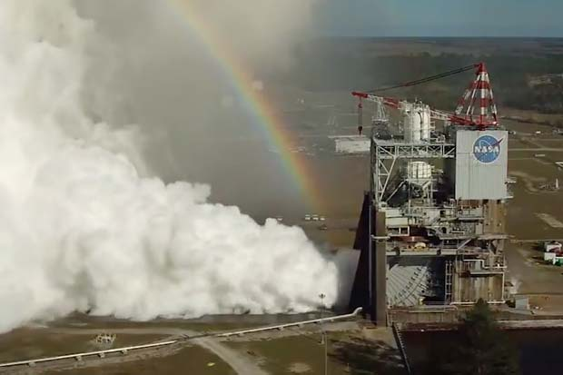 Rocket Rainbow! NASA RS-25 Engine Test Gets Colorful | Video