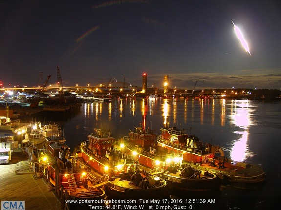 Very bright meteors — such as this one, which lit up the night sky over Portsmouth, New Hampshire, on May 17, 2016 — sometimes generate mysterious hissing or popping noises that are audible to human ears.