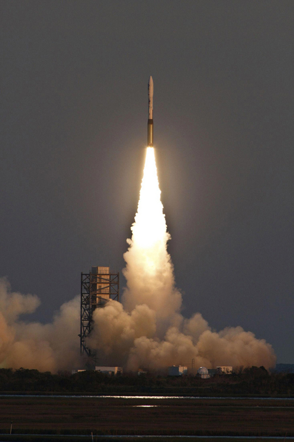 http://www.space.com/images/i/7942/i02/minotaur-1-rocket-launch.jpg?1296866045